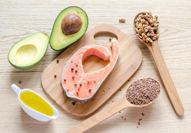 Thực phẩm béo là thức ăn gây nên tình trạng béo phì, tắc ngẽn mạch máu, sức khỏe tụt dốc